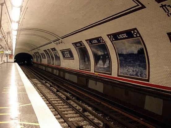 Metro_de_Paris_-_Ligne_13_-_station_Liege_03