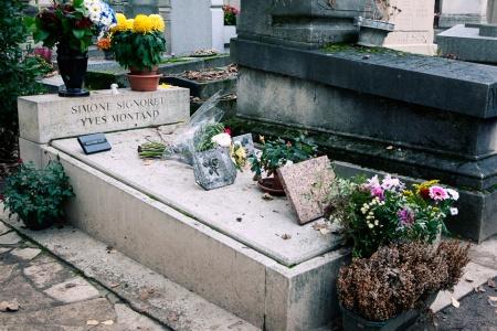 Yves Montand e Simone Signoret grave 44 DIV