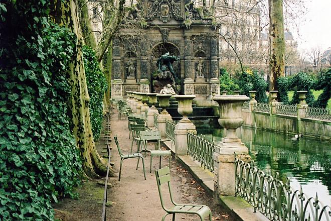 Jardin du luxembourg giardini di lussemburgo paris for Buvette des marionnettes du jardin du luxembourg